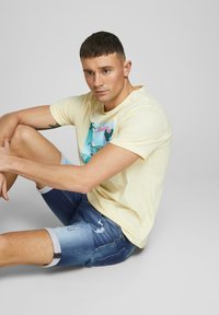 Jack & Jones - JEANSSHORTS RICK ICON - Denim shorts - blue denim - 3
