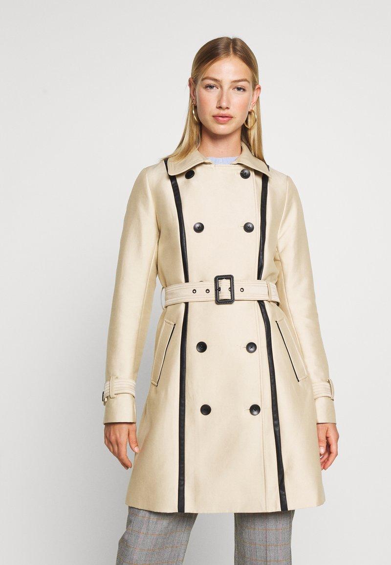 Morgan - GASTON - Trenchcoat - beige