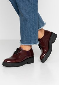 Bianco - BIACASS CHUNKY LACED UP DERBY - Lace-ups - winered - 0