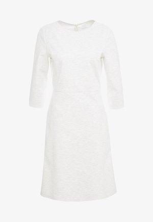 ALOMA - Žerzejové šaty - open white