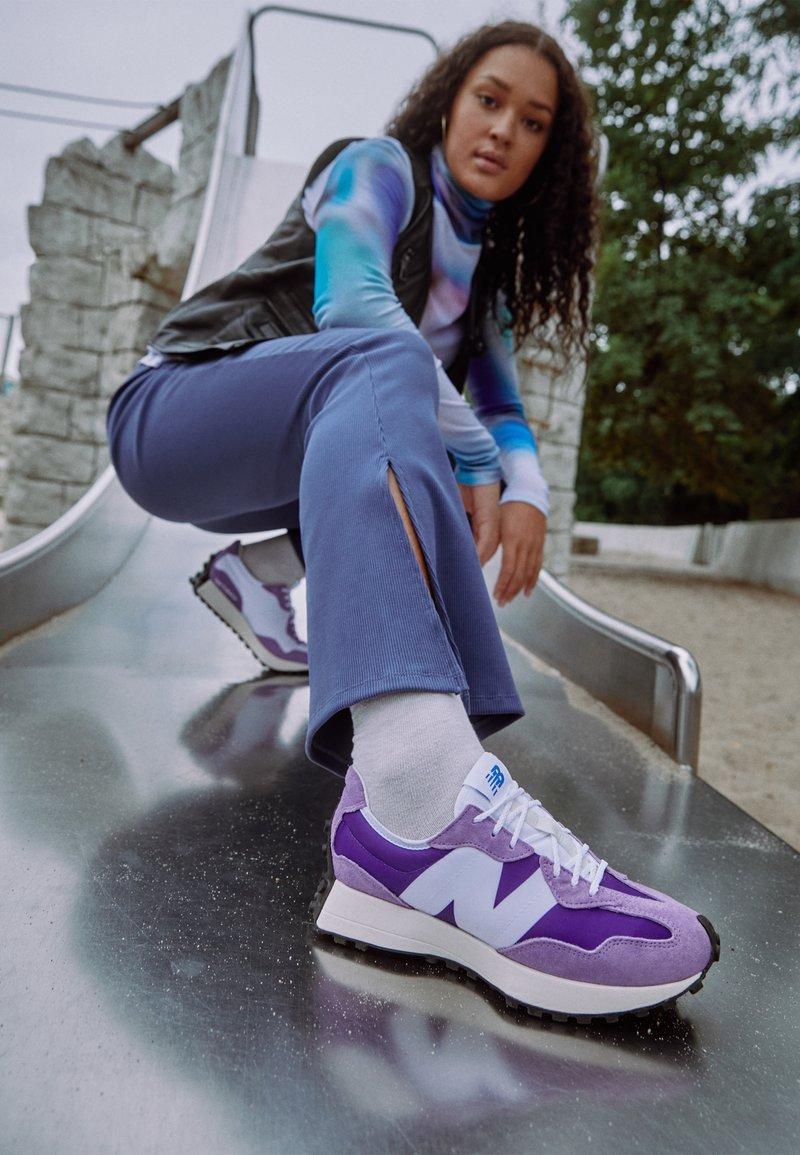 New Balance - Baskets basses - deep violet