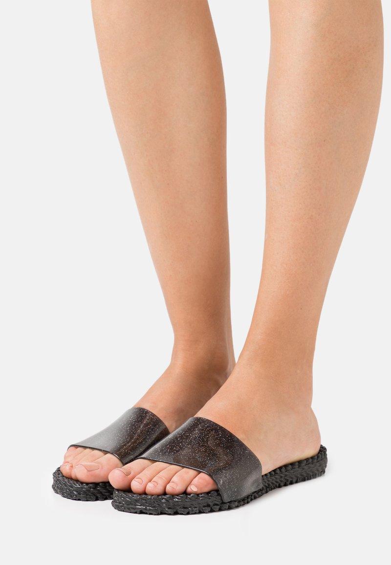Ilse Jacobsen - CHERI - Pantofle - black