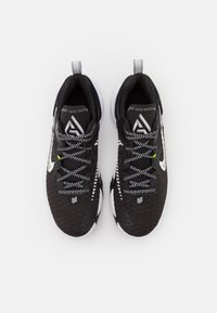 Nike Performance - GIANNIS IMMORTALITY - Basketball shoes - black/clear/white/wolf grey - 3