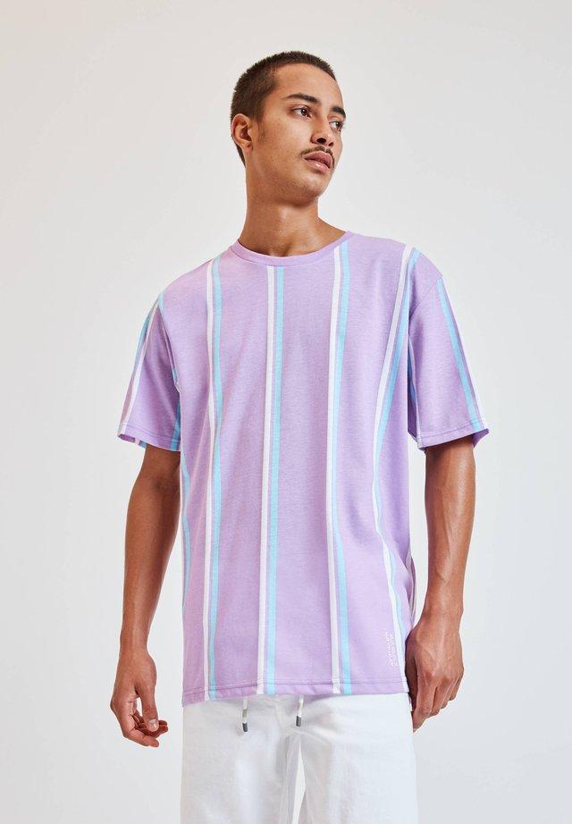 T-shirt z nadrukiem - lila
