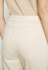 ONLY - ONLMILA LIFE - Jeans Skinny Fit - ecru - 5
