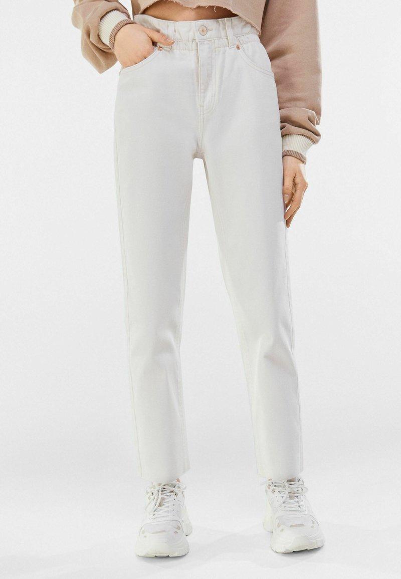 Bershka - Straight leg jeans - stone