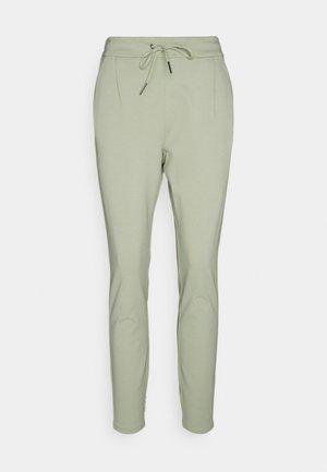 VMEVA LOOSE STRING PANTS  - Trousers - desert sage