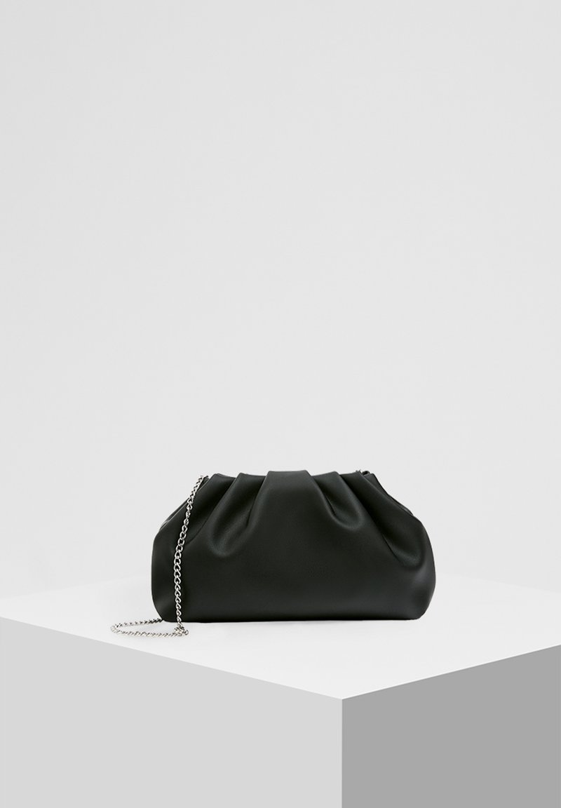 PULL&BEAR - MIT RAFFUNG - Across body bag - black
