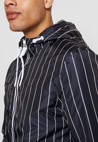 Blend - OUTERWEAR - Lehká bunda - dark navy blue - 4