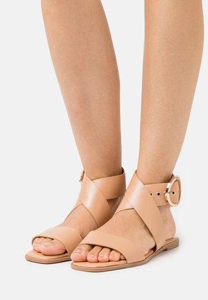 Sandały - soft nude