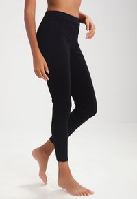 Spanx - ANKLE JEAN-ISH - Leggings - very black - 0