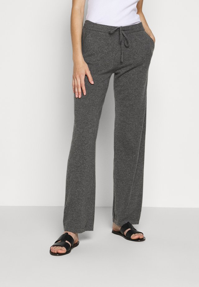 ESSENTIALS WIDE LEG PANT - Tygbyxor - grey