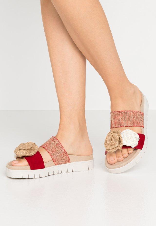 Pantofle - rubin