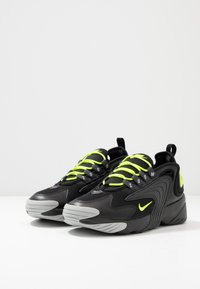 Nike Sportswear - ZOOM  - Sneakers - black/volt/anthracite/wolf grey - 2