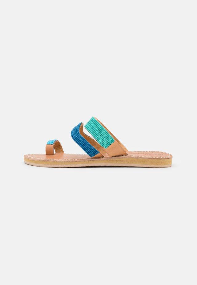 KAI  - Flip Flops - aqua