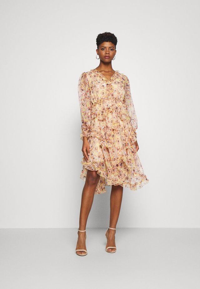 YASLUSAKA DRESS - Robe de soirée - light pink