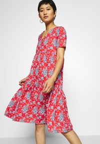Rich & Royal - DRESS PRINTED - Denní šaty - summer red - 3