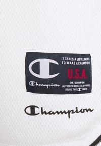 Champion - BERMUDA - Sports shorts - white - 4
