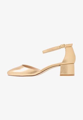 LEATHER CLASSIC HEELS - Classic heels - gold
