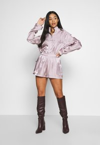 Missguided Petite - CODE CREATE - Shorts - pink - 1