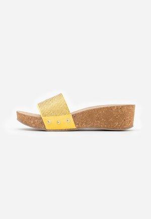 ERA - Slip-ins - giallo