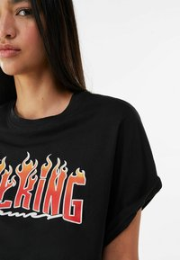 Bershka - Print T-shirt - black - 3