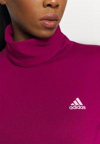 adidas Performance - COVER UP  - Camiseta de deporte - power berry - 5
