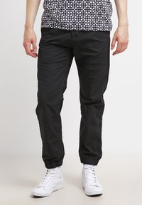 Carhartt WIP - MARSHALL COLUMBIA - Trousers - black rinsed - 0