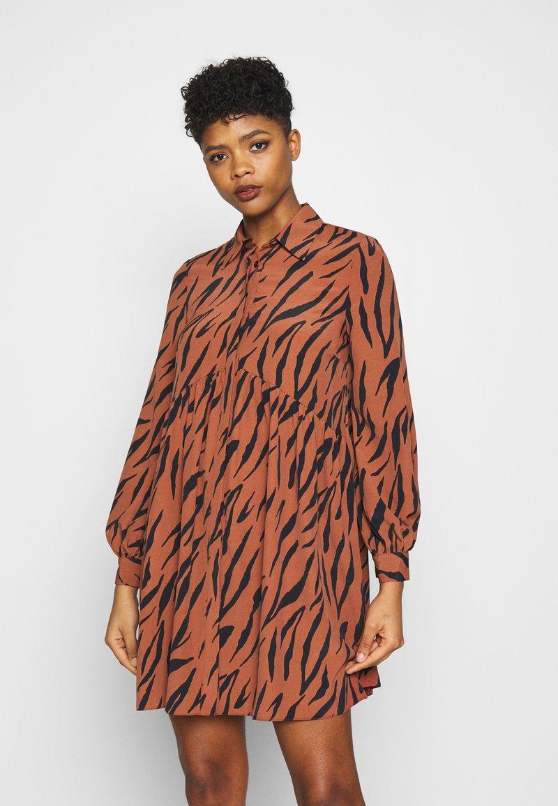 River Island - LISA SMOCK DRESS - Shirt dress - brown