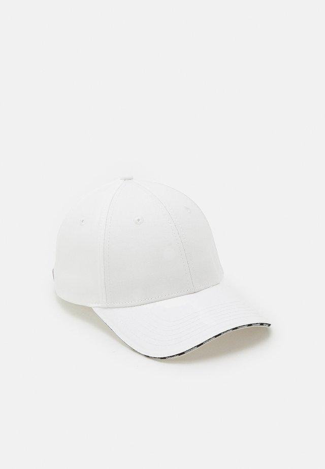 UNISEX - Pet - white