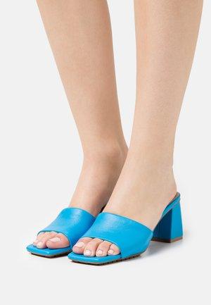 VELALITH - Slip-ins med klack - blue