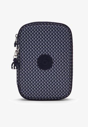 100 PENS - Pencil case - triangle blue