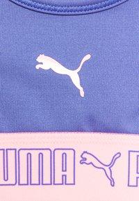 Puma - RUNTRAIN TOP - Sports bra - hazy blue - 2