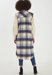 ICHI - Waistcoat - tapioca - 2