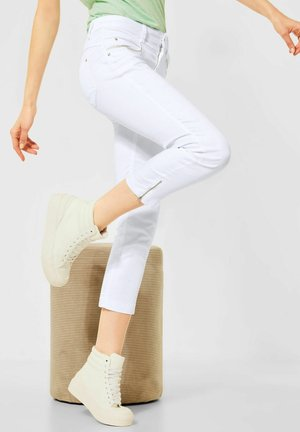 CASUAL FIT - Slim fit jeans - weiß