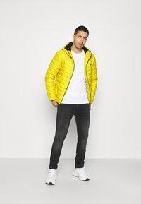 PARELLEX - STRIKE JACKET - Light jacket - mustard - 1