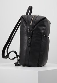 Royal RepubliQ - LUCID BACKPACK - Reppu - black - 3