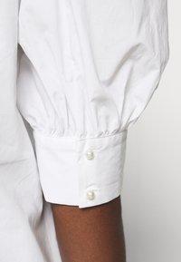Custommade - DUNYA - Pusero - bright white - 5