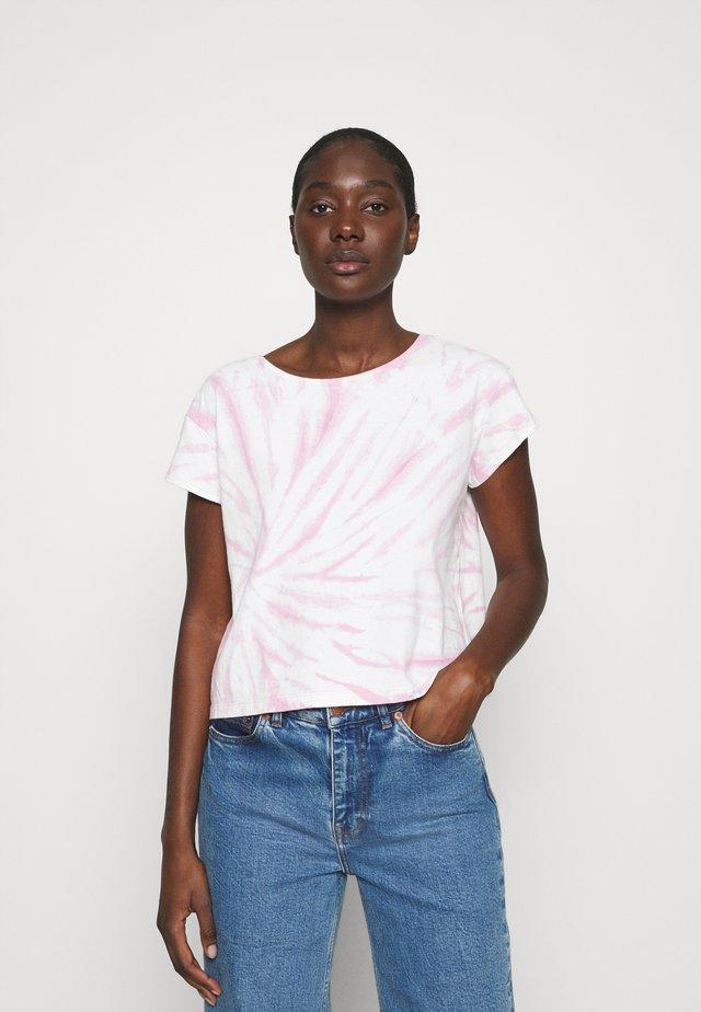 TIE DYE CAP SLEEVE BOXY TEE - T-Shirt print - lavender mist