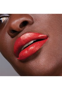 Maybelline New York - COLOR SENSATIONAL THE CREAMS - Lipstick - coral rise - 4