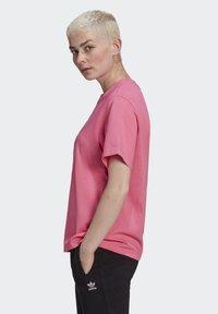 adidas Originals - T-SHIRT - Print T-shirt - sesopk - 3