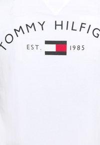 Tommy Hilfiger - BACK LOGO TEE - T-shirt basique - white - 6