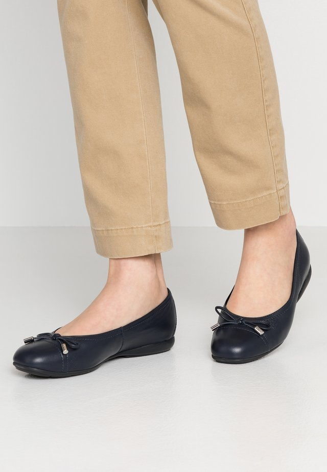 ANNYTAH - Ballet pumps - navy