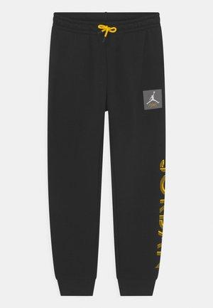 LIGHTNING - Teplákové kalhoty - black