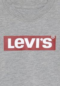 Levi's® - BOX TAB TEE - Långärmad tröja - grey heather - 3