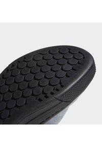 adidas Performance - FIVE TEN MOUNTAIN BIKE FREERIDER SHOES - Cycling shoes - black - 8