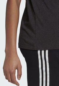 adidas Originals - TEE - T-shirt print - black melange - 5