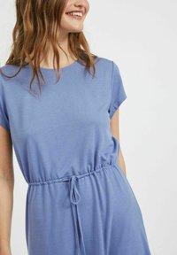 Vila - VIMOONEY STRING - Jersey dress - colony blue - 3