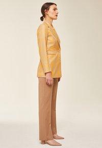 IVY & OAK - Manteau court - sun orange - 4
