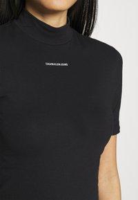 Calvin Klein Jeans - MICRO BRANDING STRETCH MOCK NECK - Triko spotiskem - black - 3